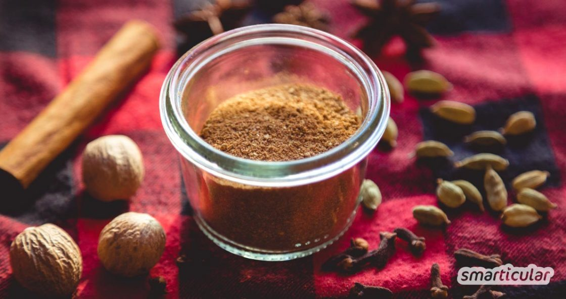 Statt fertiges Lebkuchengewürz zu kaufen, kannst du die weihnachtliche Mischung auch leicht selbst herstellen. Rezept mit festlichen Gewürzen und weiteren optionalen Zutaten!