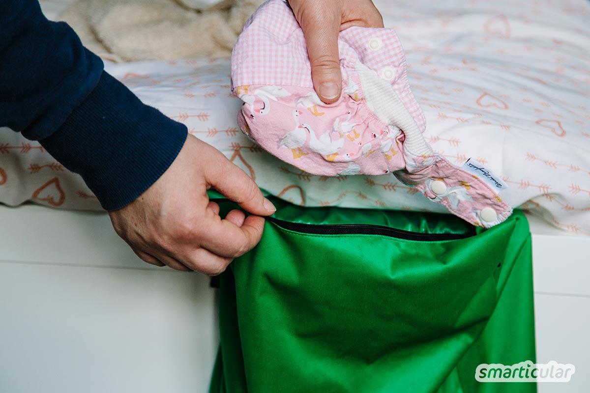 Moderne Stoffwindeln sind umweltfreundlich und praktisch - wenn nur die Reinigung nicht wäre! Mit diesen Tipps wäschst du (gebrauchte) Stoffwindeln umweltfreundlich und effektiv sauber.
