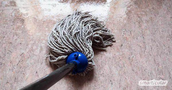 Linoleum als Fußbodenbelag hat viele Vorteile gegenüber Plastik-Bodenbelägen. Zudem lässt er sich einfach und schnell wischen. Bei richtiger Reinigung und Pflege bleiben seine Vorzüge lange erhalten.