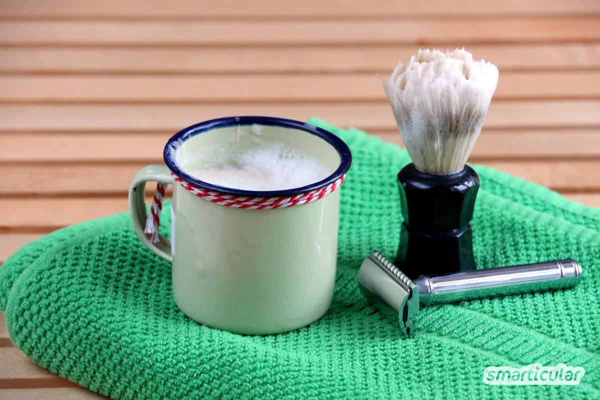 Feste Kosmetik kann zahlreiche herkömmliche Pflegeprodukte ersetzen. Feste Zahnpasta, festes Shampoo und pflegende Dusch-Bars enthalten kein Mikroplastik und sparen auch noch jede Menge Verpackungsmüll.