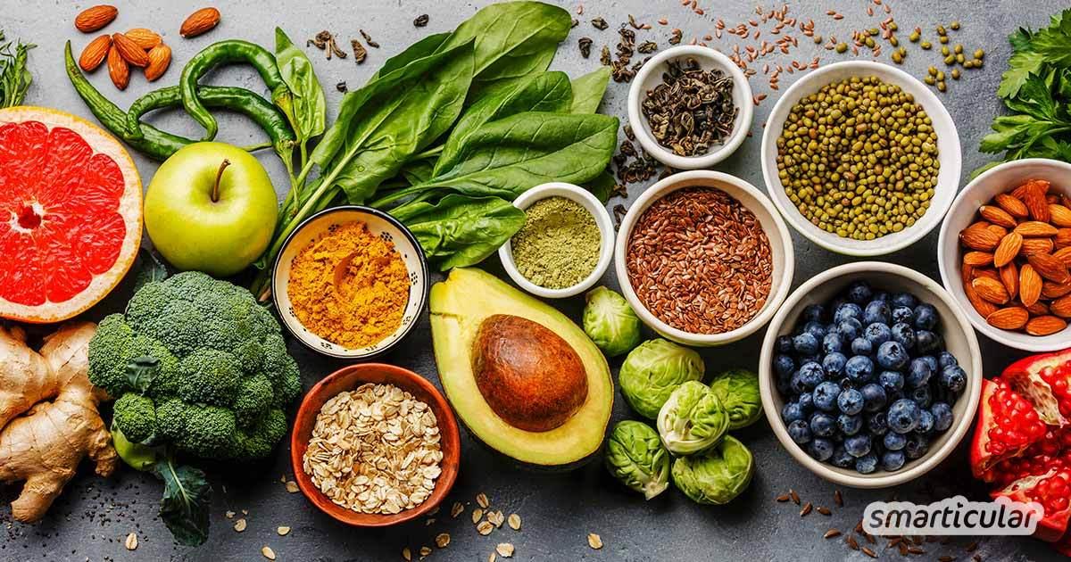 """Unter """"Rohkost"""" versteht man eine Ernährungsweise, die möglichst rohe und unbehandelte Zutaten verwendet. Welche Rohkost-Richtungen es gibt, erfährst du hier."""