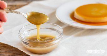 Süße Kondensmilch, aber ohne Plastikmüll und tierische Bestandteile, lässt sich aus Pflanzenmilch selber machen und zum Beispiel zu einem veganen Flan weiterverarbeiten.