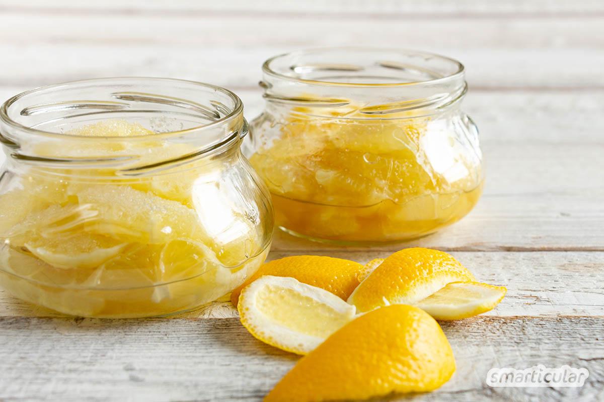 Hustensirup aus Zitronensaft stillt nicht nur reizenden Husten, sondern versorgt den Körper zusätzlich mit reichlich Vitamin C und Antioxidantien.