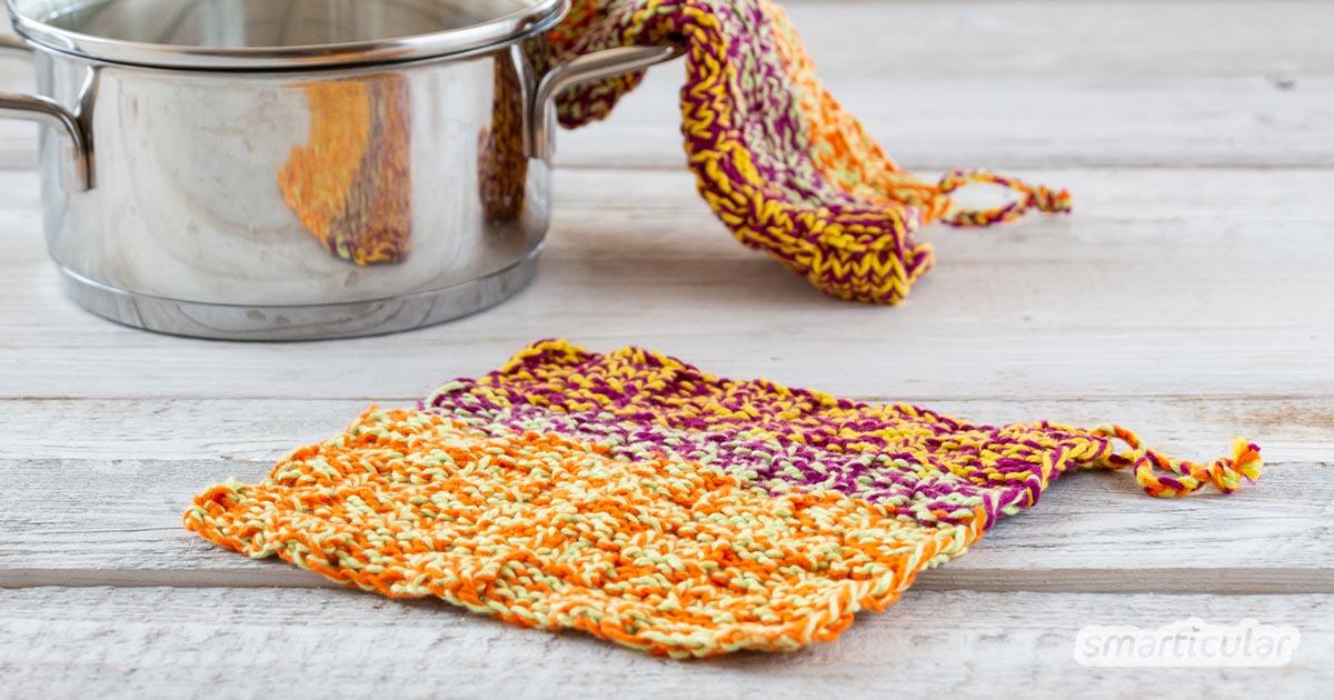 Topflappen stricken: So verwandelst du deine Baumwollgarn-Reste in dekorative und nachhaltige Topflappen. Die Anleitung ist auch für Anfänger geeignet!