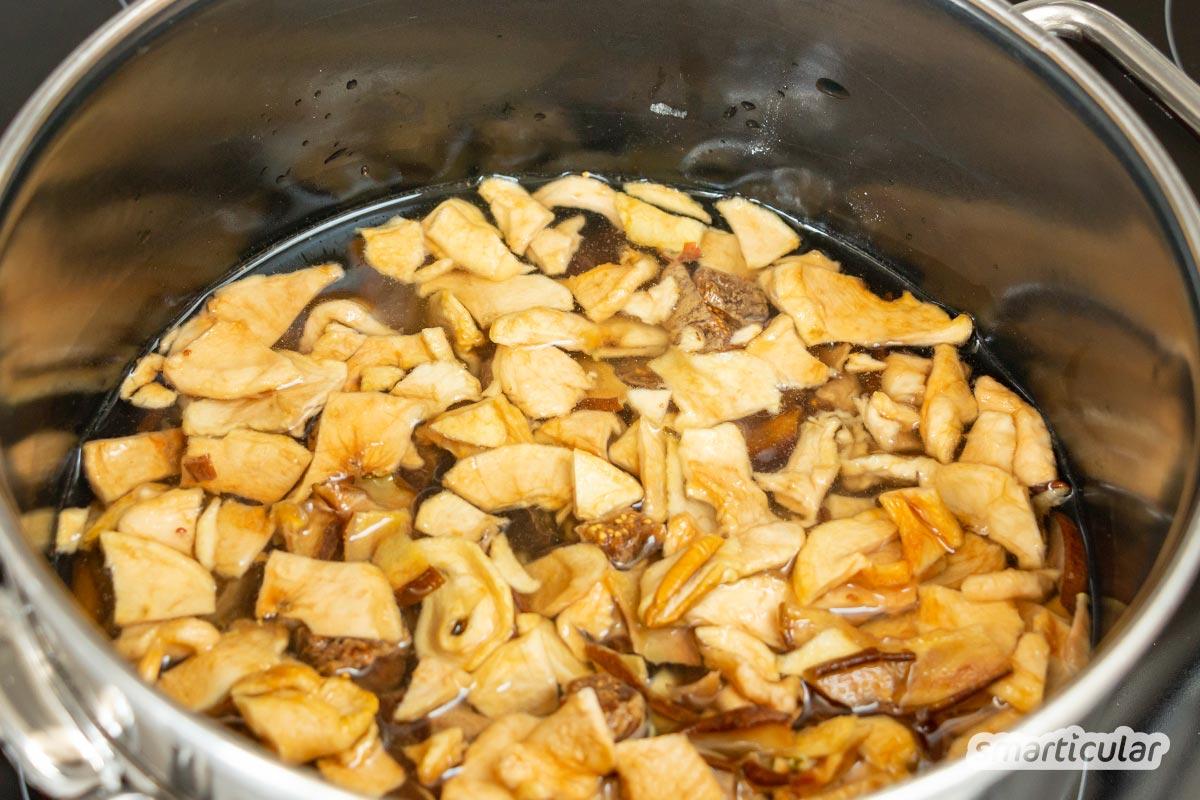 Wenn im Herbst die Birnen alle auf einmal reifen, kann man sie ganz leicht trocknen und im Winter zu köstlichem Birnenbrot verarbeiten.