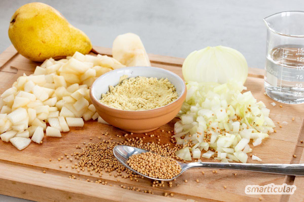 Selbst gemachter Birnensenf schmeckt wunderbar nicht nur zu Käse und eignet sich hervorragend als fruchtig-scharfes Mitbringsel zur nächsten Party!