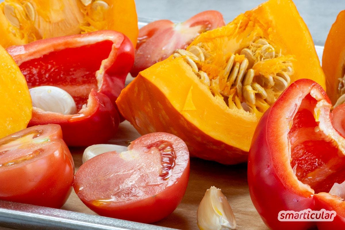 Diese Kürbis-Pasta kocht sich quasi von selbst! Probiere doch mal dieses einfache Rezept für eine köstliche saisonale Abwechslung zu Pasta mit Tomatensoße.