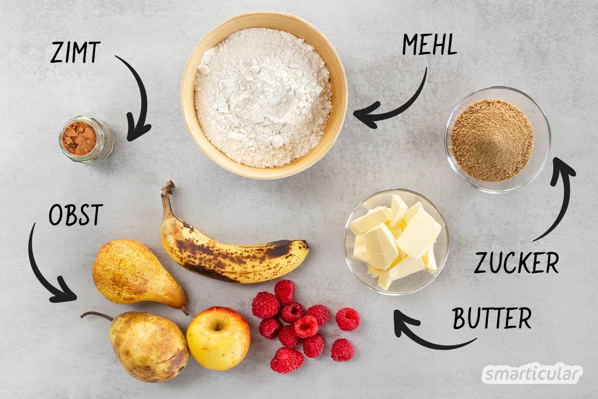 Ein genial einfacher Crumble lässt sich nicht nur mit Äpfeln zubereiten. Mit diesem Grundrezept kannst die beliebte Leckerei aus Früchten (fast) aller Art zaubern - auch vegan.