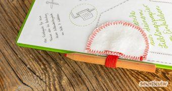 Wenn dein Notizbuch oder Kalender keine Stiftschlaufe hat oder du einen zweiten Stift zur Hand haben möchtest, dann nähe dir doch einen Pen Loop zum Einkleben einfach selbst!