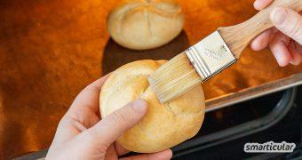 Alte Brötchen sind viel zu schade für die Tonne! Mit zwei einfachen Tricks schmecken sie wieder wie frisch vom Bäcker. Alternativ lassen sich daraus viele Köstlichkeiten zaubern.