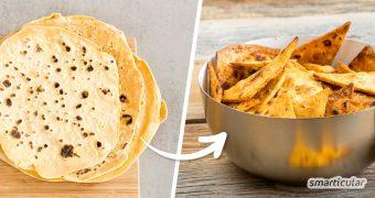 Nachos (überbackene oder gedippte Tortillachips) waren ursprünglich als Resteverwertung für Tortillas vom Vortag gedacht. Genauso kannst du die frisch-knusprigen Knusperdreiecke auch zu Hause selber machen.