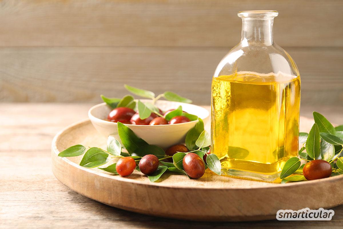Unreine und fettige Haut ist besonders anfällig für Pickel und Mitesser. Dabei bekommt man reine Haut schon mit milden, natürlichen Mitteln, ohne sie zu überpflegen.