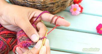Mit schnellen Handarbeiten lässt sich wunderbar die Zeit vertreiben! Und mit kleinen Projekten zum Stricken, Häkeln und Nähen ist der Erfolg schnell sichtbar.