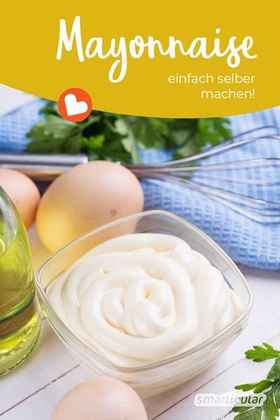 Mayonnaise selber zu machen, ist kinderleicht! Dieses Rezept für selbst gemachte Mayonnaise ohne Zucker enthält außerdem überhaupt keine Zusatzstoffe.