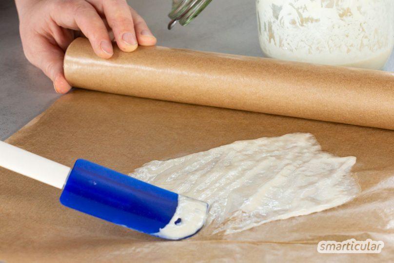 Statt Hefe immer wieder neu zu kaufen, lässt sie sich leicht vermehren und haltbar machen. Hier erfährst du, wie du Trockenhefe selber machen kannst.