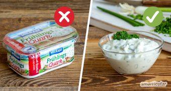 Weniger Verpackungsmüll und mehr Geschmack: einen Kräuterquark selber zu machen, hat zahlreiche Vorteile. Hier findest du ein einfach köstliches Grundrezept.