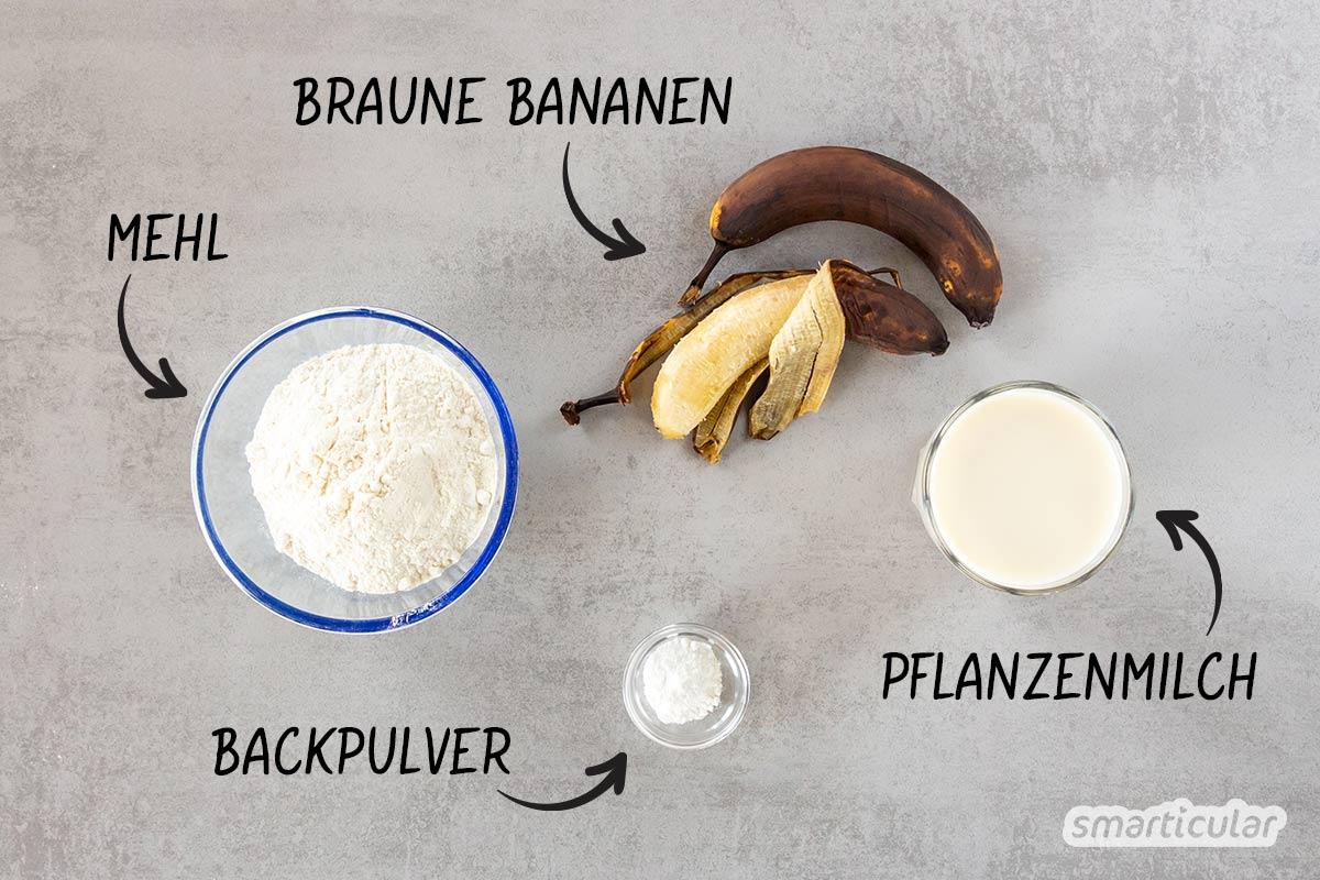 Mit diesem Rezept sind vegane Waffeln im Handumdrehen zubereitet - aus nur vier Zutaten und ohne zusätzlichen Zucker. Für köstlichen und gesunden Waffelgenuss!