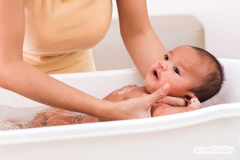 Bei der Babypflege ist weniger meist mehr. Denn viele Pflegeprodukte sind überflüssig. Hier erfährst du, wie viel nötig ist und welche Hausmittel sinnvoll sind.