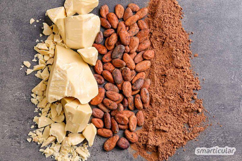 Kakaobutter wird als vielseitige Zutat sowohl für Creme, Lippenpflege und andere Kosmetik, als auch in der Küche verwendet - zum Beispiel für Schokolade.