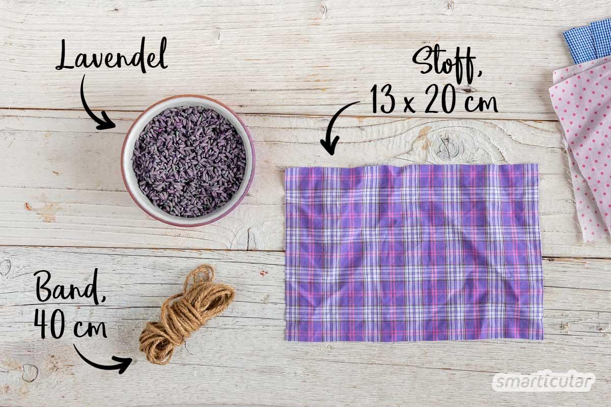 Ein Lavendelsäckchen gegen Kleidermotten lässt sich einfach selber machen. Die Lavendelfüllung sorgt außerdem für angenehmen Duft im Kleiderschrank.