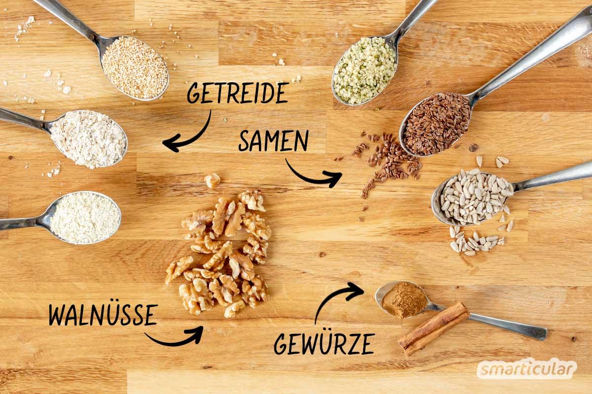 Gesundes Proteinpulver für Eiweißshakes lässt sich ganz einfach selber machen. Es besteht aus rein pflanzlichen Proteinen und macht lange satt.
