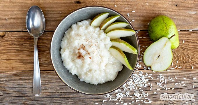 Sticky Rice mit Birne? Die fruchtige Süßspeise lässt sich nicht nur wie das Original mit Mango, sondern auch mit regionalem Obst zubereiten!