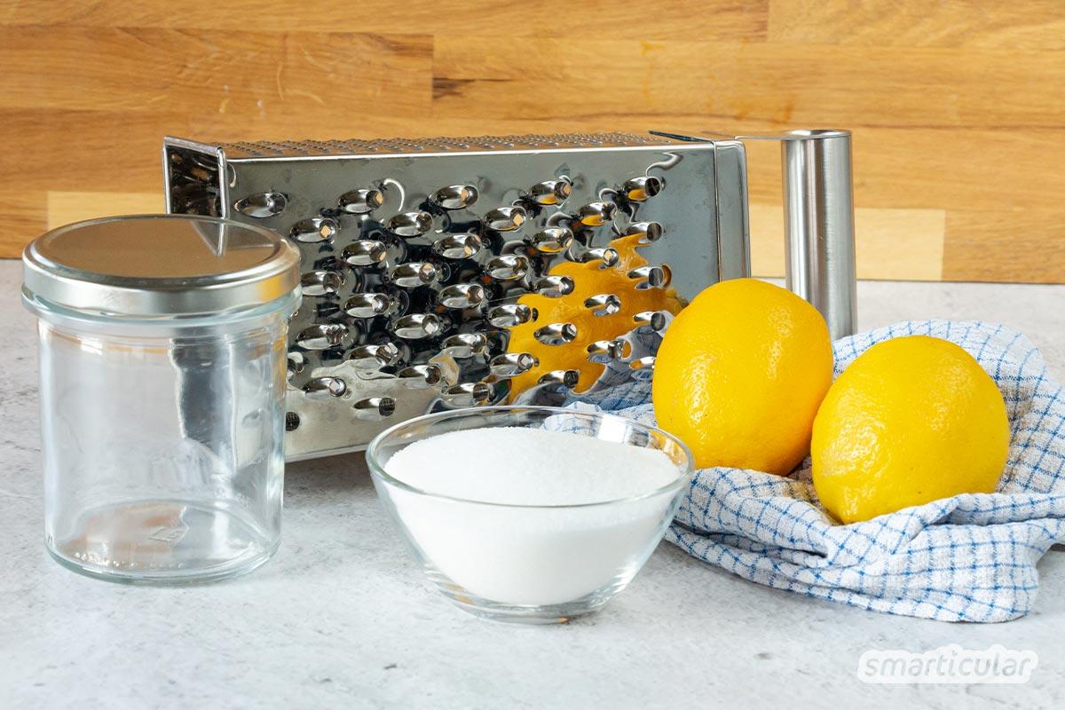 Um Zitronenschale haltbar zu machen, brauchst du nichts weiter als Zitronen und Zucker. Zitronenzucker selber zu machen, gelingt dir mit diesem Rezept!