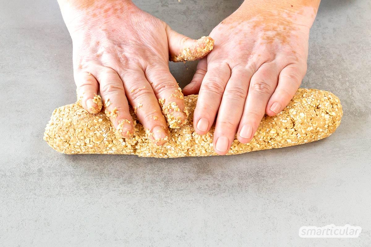 Haferkekse zu backen, ist eine schöne Möglichkeit, den Trester aus der Hafermilchproduktion köstlich zu verwerten. Hier findest du ein einfaches Rezept.