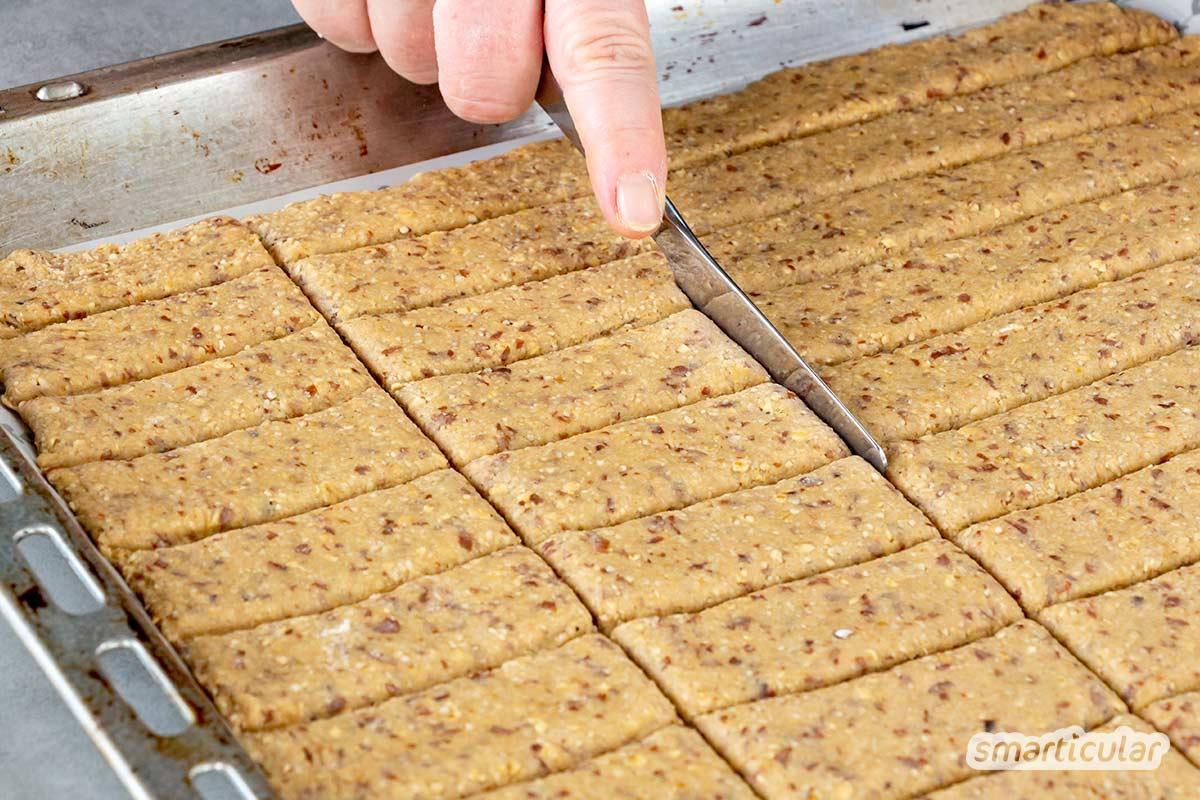 Mit diesem Mandelplätzchen-Rezept verwandelst du den Trester aus der Herstellung von Mandelmilch im Handumdrehen in köstliche Mandelkekse für zwischendurch.