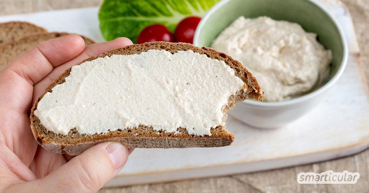 Veganer Schmelzkäse ist schnell selbst gemacht - einfaches Rezept für käsigen Genuss ohne tierische Zutaten und frei von Zusatzstoffen.