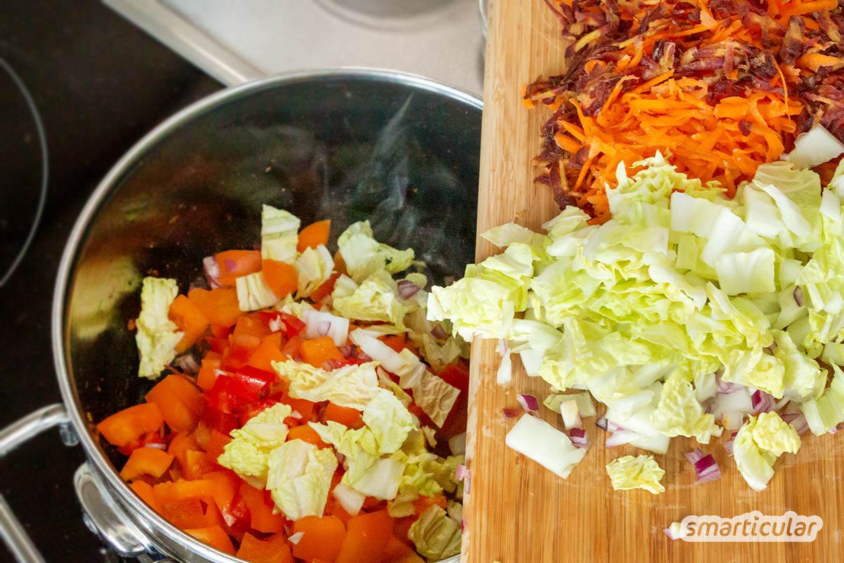 Intensiv würziges Chakalaka ist eine ideale Beilage zu Brot, Reis oder Nudeln und geeignet zur Verwertung von Gemüse und anderen Resten.