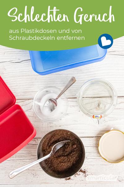 Wenn sich Gerüche in Tupperdosen oder Deckeln festsetzen, lässt sich mit einfachen Hausmitteln der Geruch aus Plastik entfernen - funktioniert auch bei Schraubdeckeln mit Beschichtung.