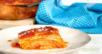 Knollensellerie muss nicht langweilig sein! Als Sellerie-Lasagne zubereitet bietet er eine abwechslungsreiche Möglichkeit, die Knollen köstlich in Szene zu setzen.