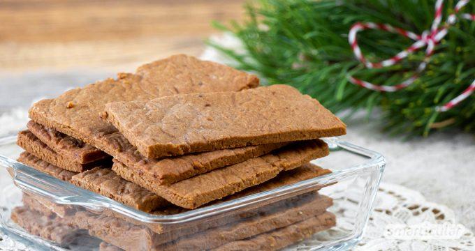 Spekulatius gehören zu den beliebtesten Winterleckereien. Anstatt sie zu kaufen, kannst du die würzigen Kekse mit diesem Spekulatius-Rezept leicht selber machen!