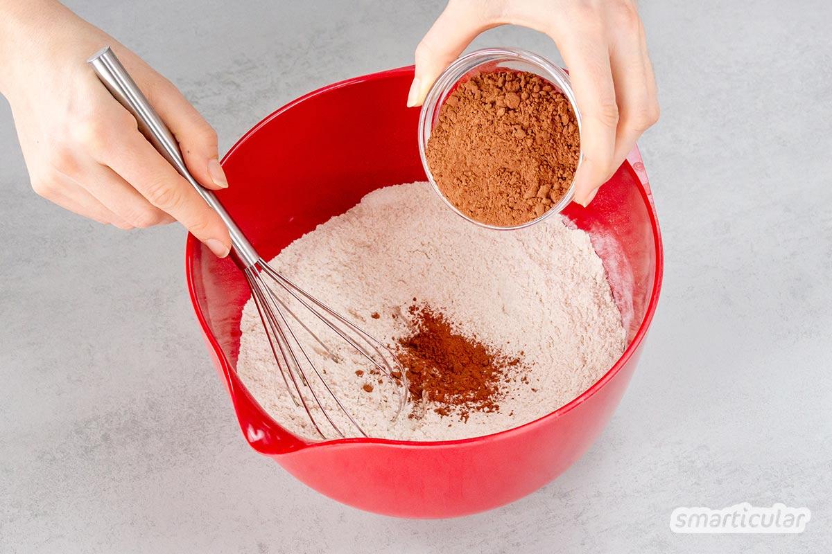 Kuchen mit Roter Bete? Was seltsam klingt, ist sogar richtig köstlich! Wer Abwechslung liebt, kann sich von diesem köstlich-saftigen Schokokuchen inspirieren lassen.