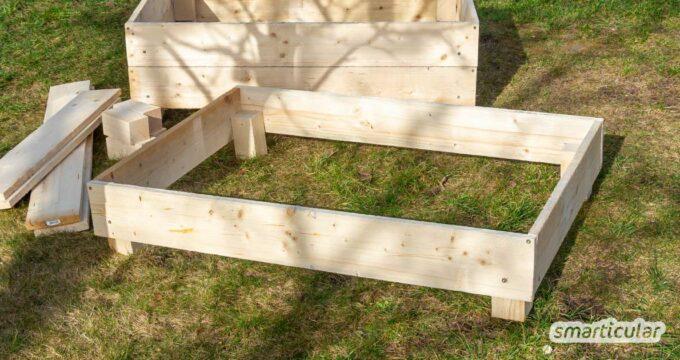 Selbst gebaute Beetrahmen aus Holz sind vielseitig nutzbar als Beeteinfassung für Gemüse und Blumen. Aufeinandergestapelt, dienen sie als Hochbeet oder Komposter.