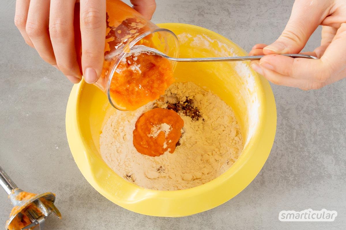 Bunte Burgerbrötchen selber zu machen, gelingt mit Gemüse im Teig: Süßkartoffeln, Rote Bete, Möhren oder Spinat - alles ist möglich mit diesem Rezept!
