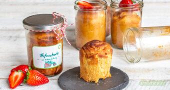 Nicht nur frisch sind Erdbeeren ein Genuss: Als Füllung für Hefeschnecken, die im Glas gebacken werden, eignen sie sich sogar perfekt zum Verschenken!