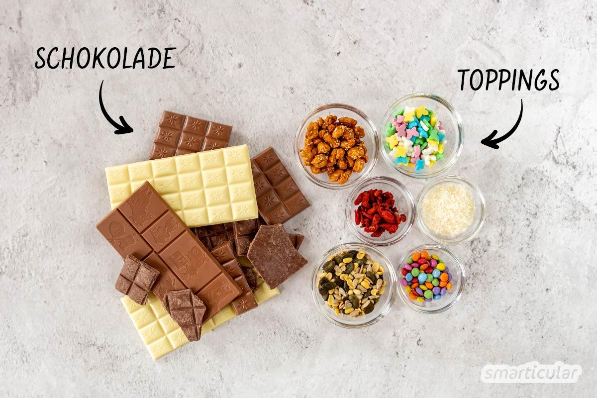 Bruchschokolade selbst zu machen, ist gar nicht schwer. Anstelle eines aufwändigen Wasserbads kannst du sie einfach im Backofen schmelzen und direkt auf dem Blech verzieren.