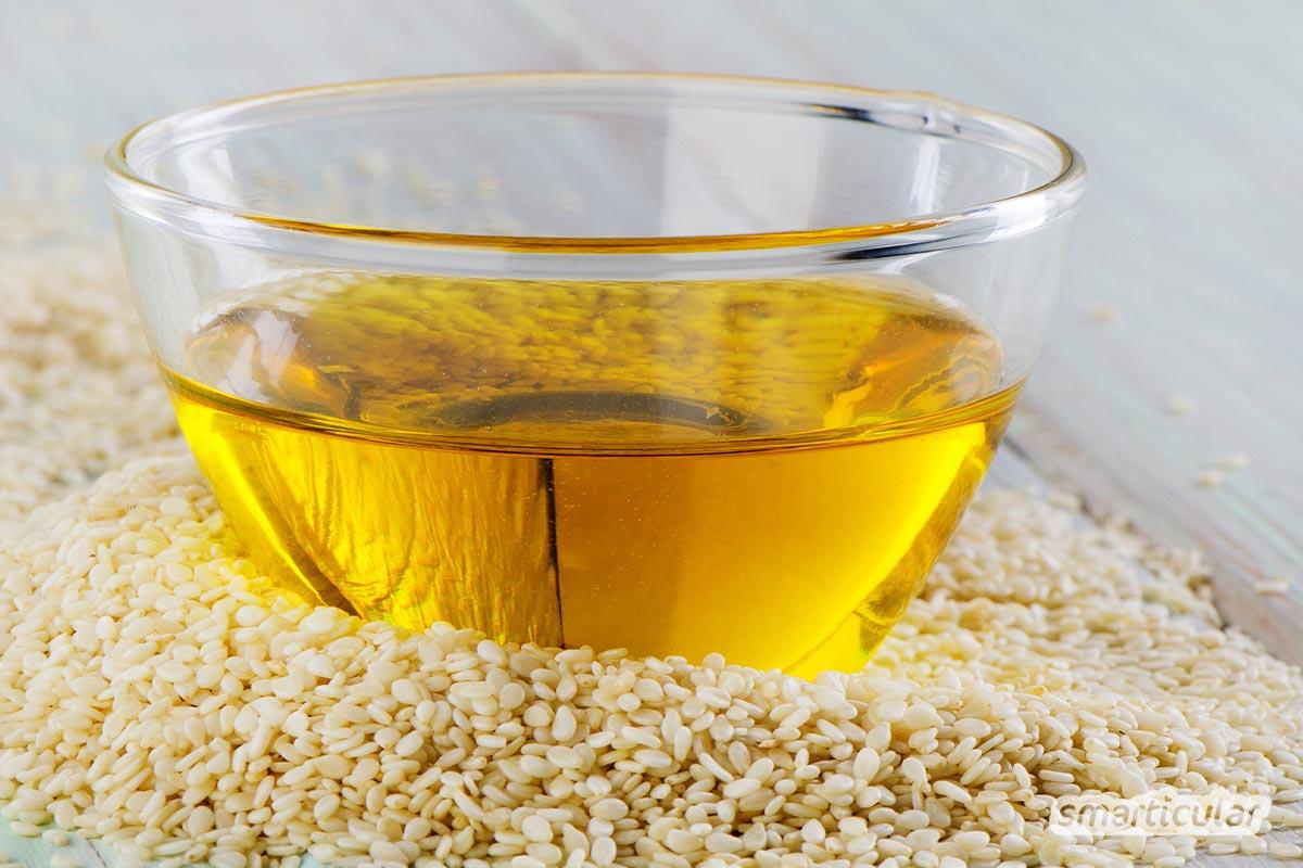 Sesam kann viel mehr als Backwaren verzieren! Hier erfährst du, wie gesund die unscheinbaren Samen sind und wie vielfältig sie verwendet werden können.