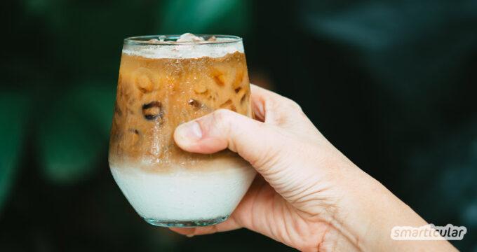 Eiskaffee selber zu machen, ist auf so viele Weisen möglich, und das Ergebnis meist köstlich. Hier kommen die besten Rezepte: mit Vanillesahne, Kaffee-Eiswürfeln oder Schlagkaffee.