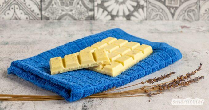 Badeschokolade selber machen geht ganz einfach, mit wenigen natürlichen Zutaten. Als Badezusatz ist sie ein tolles Geschenk - für gepflegt geschmeidige Haut!