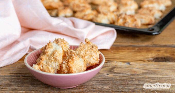 Mit diesem einfachen Kokosmakronen-Rezept gelingt das beliebte Weihnachtsgebäck garantiert und wird besonders locker und luftig.