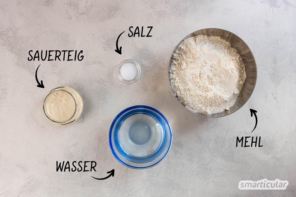 Sauerteigbrötchen über Nacht und ganz ohne Hefe oder andere Triebmittel: Mit diesem einfachen Rezept aus vier Zutaten gelingt das aromatische Gebäck.